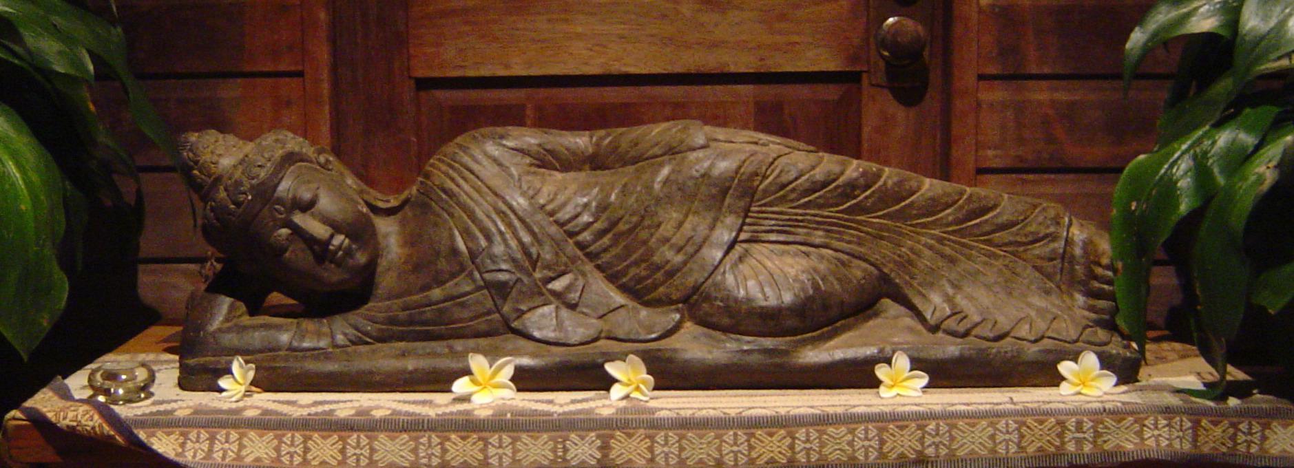 buddhaliegend2
